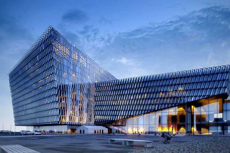 Rendering esterni, architettura moderna a vetri.