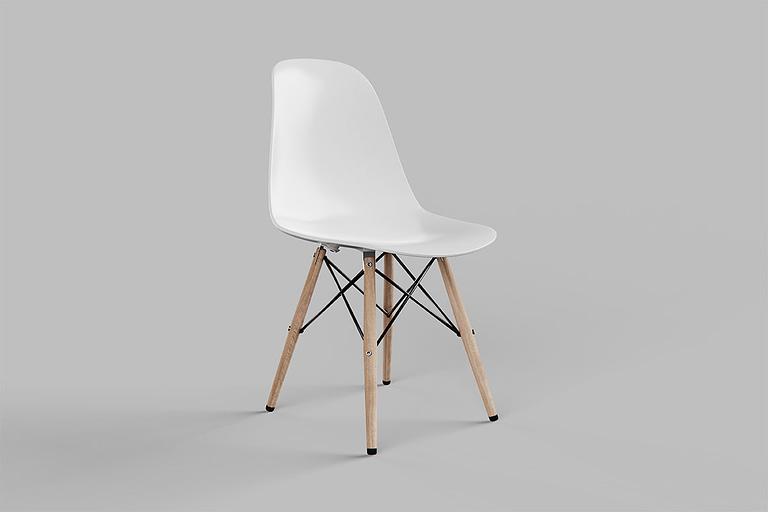 Rendering di prodotto, sedia di design con seduta in plastica di colore bianco e gambe in legno più parti metalliche